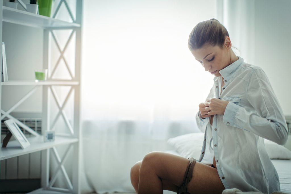 Ehemann beobachtet Ehefrau Orgasmus